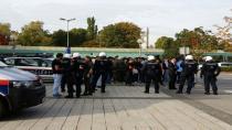 Bregenz'de korkulan oldu : Kobani protestosunda iki kişi bıçaklandı !