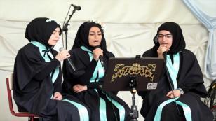 Avrupa'nın ilk imam hatipi ilk mezunlarını verdi