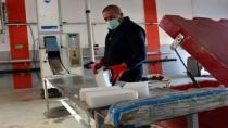 Gurbetçi kardeşler Maraş dondurması buzuyla aşıları taşıyor