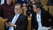Almanya'da eyalet başbakanı Corona zirvesinde 'Candy Crush' oynadı