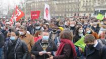 Fransa'da kültür sektörü çalışanları yeniden sokaklarda