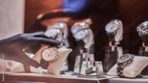 Paris'teki ünlü kuyumcuda, 2 milyon euroluk mücevher çalındı