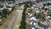 Almanya'da sel felaketinde zarar gören bölgelerden Merkel'e 'yardım' çağrısı
